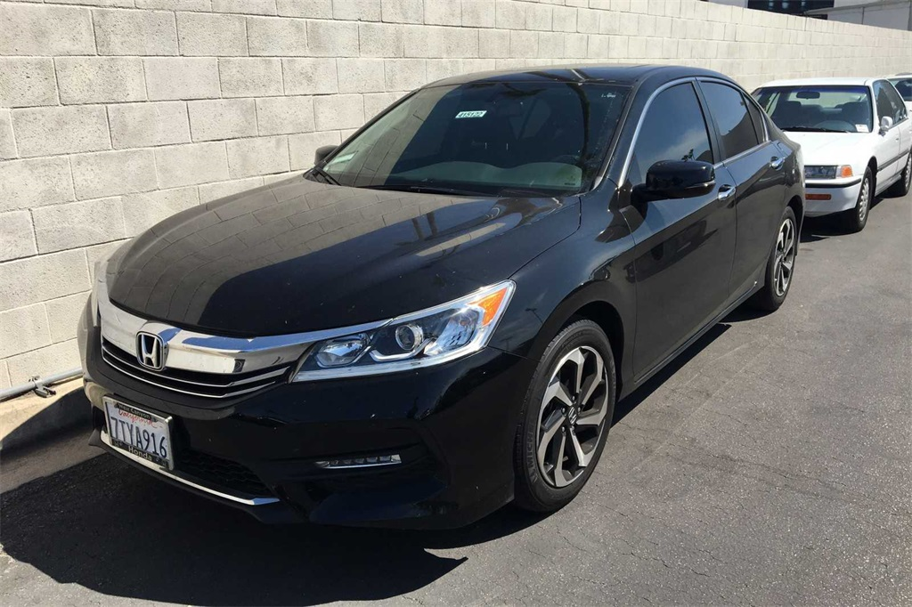 Pre-Owned 2016 Honda Accord EX-L